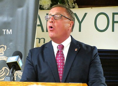 Steve Lonegan addresses a tea party crowd on July 1.