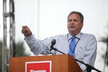 Jeff Tittel, director of the Sierra Club's New Jersey chapter, speaks at a Statehouse rally in 2011. He led today's teleconference announcing opposition to a proposed oil pipeline.