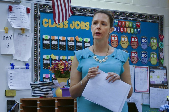 Third-grade teacher Kim Brieland teaches her class at Chesterfield Elementary School (Michael Mancuso | NJ Advance Media for NJ.com)