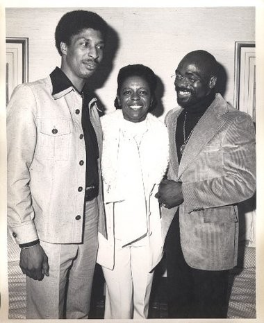 Newark activist Carolyn Kelley in 1976 with John Artis and Hurricane Carter. Not long afterward, Carter beat Kelley within an inch of her life.