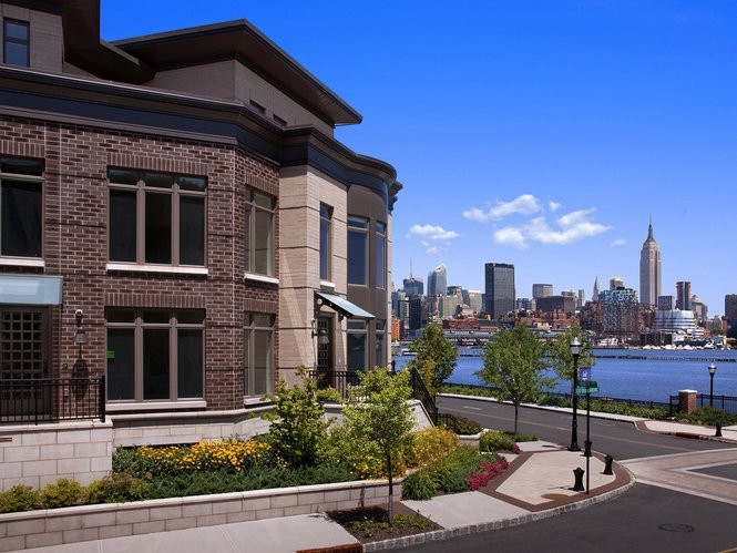 Lennar is currently marketing the final phase of Henley on Hudson, a new luxury condominium waterfront community in Weehawken with spectacular views of the midtown Manhattan skyline.