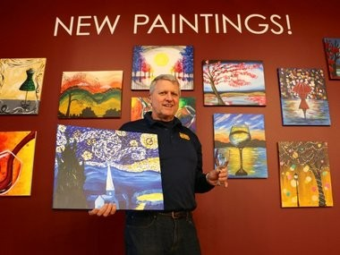 """Manalapan Mayor Jordan Maskowitz and his wife, Teri, have opened Monmouth County's first Pinot's Palette location opened in Manalapan recently, becoming the state's third franchise of the popular """"paint and sip"""" business."""