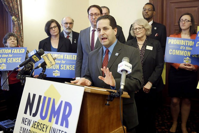 Udi Ofer, Executive Director, ACLU of New Jersey, and other advocates for legalizing marijuana hold a press conference in the Statehouse prior to a hearing in 2015. Trenton, NJ. (Aristide Economopoulos | NJ Advance Media for NJ.com)
