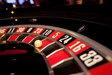 A Paterson man is charged in connection with a roulette cheating scam at Ohio casinos, reports say.