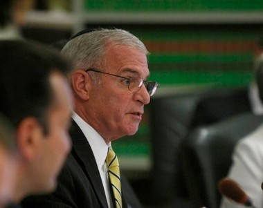 Gary Schaer, chairman of the Assembly Financial Services and Insurance Committee, gave insurance officials and disability advocates six months to collaborate on ways to make the law mandating autism treatment coverage more consumer-friendly.