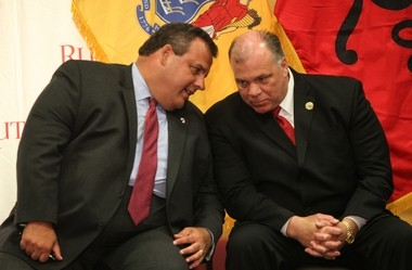 Gov. Chris Christie and state Senate President Stephen Sweeney confer.