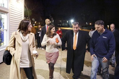 Gov. Christie leaves the town hall with First Lady Mary Pat Christie, Chief Messaging Officer Maria Comella, left, and Senior Strategist Mike DuHaime, right. NJ Gov. Chris Christie has a meet a Town Hall Meeting at New England College. Thursday February 4, 2016. Henniker, NH.
