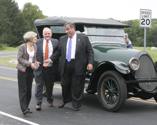Ex-Gov. Chris Christie, on right, with Morris County freeholders Doug Cabana and Christine Myers (Photo by Karen Mancinelli / Morris County government)