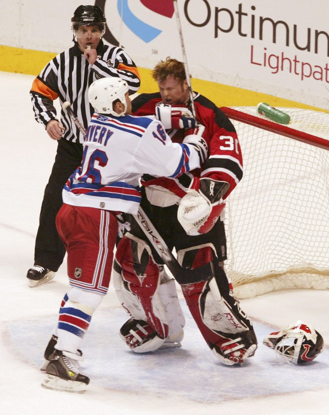 Archenemies Martin Brodeur Vs Sean Avery Often Got Nasty Nj Com