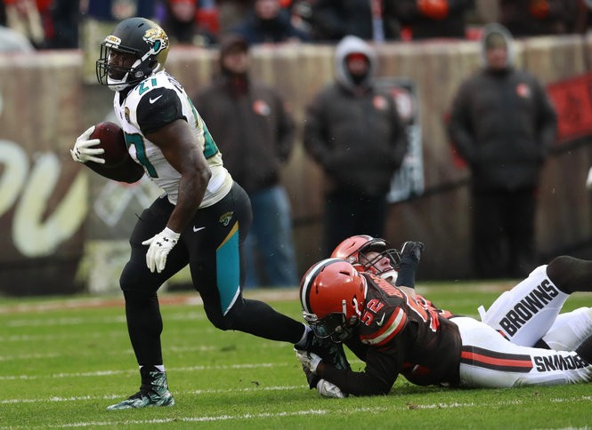 NFL picks, predictions Week 12: Experts pick each game vs  point