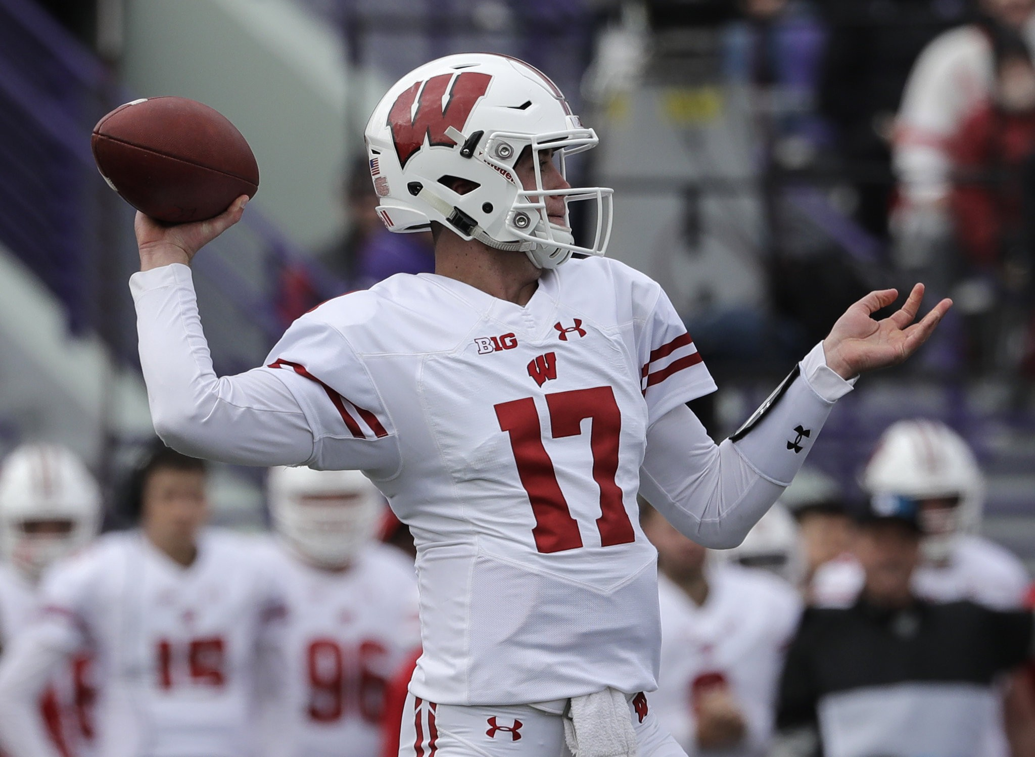 How Wisconsin S Backup Qb Who May Start Is Part Of Rutgers