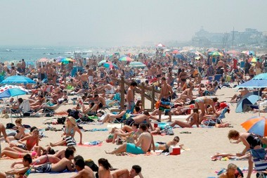 This is a typical scene along the beach in Belmar on any sunny weekend in the summer. This photo was shot in June 2011.