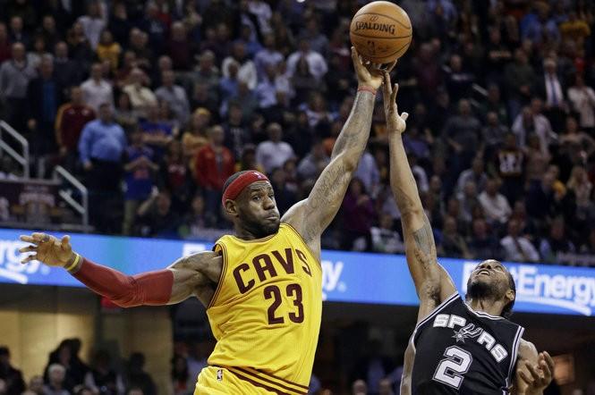 cf031c0b6ea NBA trade rumors: Warriors sign Demarcus Cousins; Lakers clear space for  Kawhi Leonard? Julius Randle to Pelicans? Sixers re-sign JJ Redick; Latest  news
