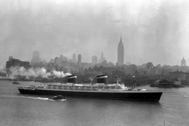 The SS United States glides down the Hudson River as it begins its first voyage to Europe from New York on July 3, 1952.(Photo by Jack Harris | Associated Press)