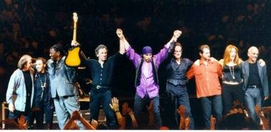 Bruce Springsteen and the E Street Band take a bow during the July 15, 1999 show at the Continental Airlines Arena.