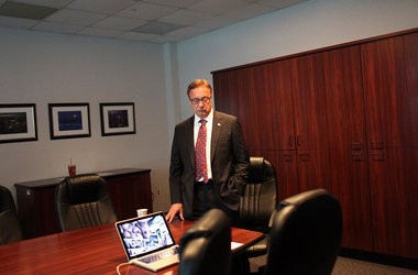US Senate candidate Steve Lonegan gets ready to sits down for a live chat session at The Star-Ledger in Newark, NJ.
