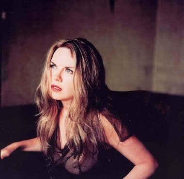Singer-songwriter Mary Fahl performs tonight at the New Hope Winery.