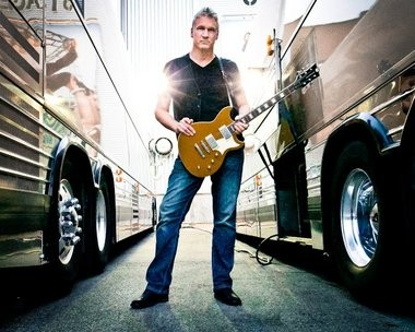 Multi-instrumentalist Eliot Lewis, currently a member of Hall & Oates' backing band, performs tonight at the Record Collector in Bordentown.