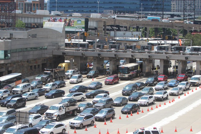 This is how they free up the Lincoln Tunnel when a vehicle gets