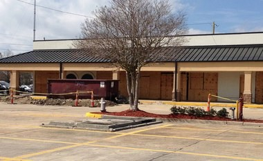 Buffalo Wild Wings will locate in the former Picadilly Cafeteria located in the Algiers Plaza strip along General DeGaulle Drive.l