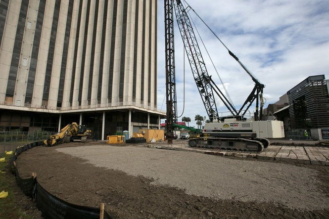 The Four Seasons hotel development team for the World Trade Center building tests soil at the foot of the tower on Jan. 13, 2017. (Photo by Ted Jackson, NOLA.com | The Times-Picayune) (Photo by Ted Jackson, NOLA.com | The Times-Picayune)