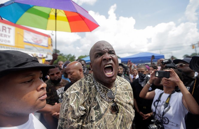 Arthur Silky Slim Reed demands the resignation of Baton Rouge Mayor Kip Holden during a protest at the Triple S Food Mart in Baton Rouge on Saturday, July 9, 2016. (Photo by Brett Duke, Nola.com | The Times-Picayune)