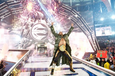 In what would be his final match, Edge defeated Alberto Del Rio to retain the World Heavyweight Championship.