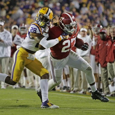 LSU safety Jalen Mills will return to LSU for his senior season, sources say.