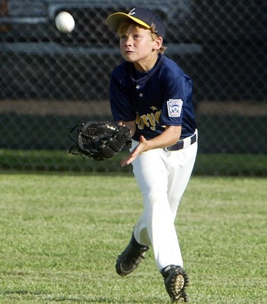 While his entire family migrated to pole vaulting, Antoine Duplantis developed a love for baseball at a young age.