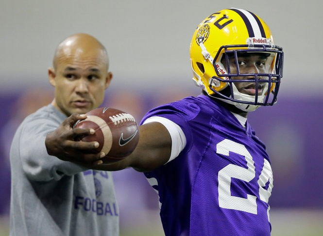 LSU defensive coordinator Dave Aranda got then-LSU coach Les Miles to move Devin White from running back to linebacker before spring practice started in 2016. (Photo by David Grunfeld, NOLA.com |The Times-Picayune)