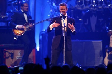 Justin Timberlake played old and new songs at the DIRECTV Super Bowl 2013 party on Feb. 2.