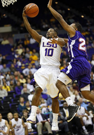 LSU guard Andre Stringer accounted for only 2 points in back-to-back games at the Old Spice Classic, but also led the Tigers with 5 and 6 assists in the two games. (Photo by Brett Duke, Nola.com | The Times-Picayune)