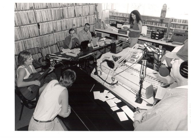 WWOZ's 1998 pledge drive at its former studio in Armstrong Park. (Photo by Al Kennedy)