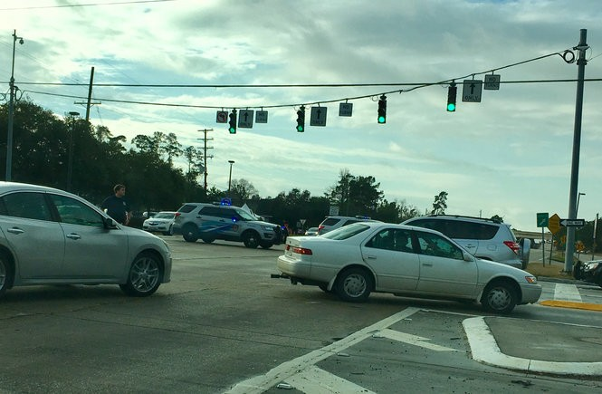 Traffic was backed up in Mandeville Thursday (Jan. 11) after a wreck on the Causeway closed southbound lanes at 8 a.m. (Photo by David Grunfeld, NOLA.com | The Times-Picayune)