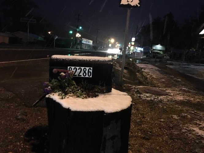 Snow was reported just south of Folsom early Friday morning (Dec. 8). (Photo by Bob Warren, NOLA.com | The Times-Picayune)