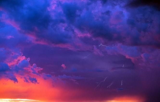 Magic happened over Lake Pontchartrain Tuesday, Aug. 7, 2018. (Photo by David Grunfeld, NOLA.com   The Times-Picayune)