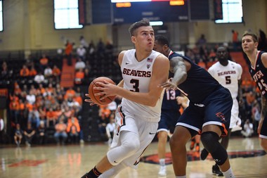 Tres Tinkle took a far greater role in the Oregon State offense this season, especially after fellow sophomore Stephen Thompson Jr. injured his left foot.