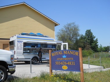 Richi's Tacos is located in a parking lot on Southwest Lombard Avenue, near the Beaverton Transit Center.