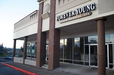 A Forever Young laser spa location in Hillsboro is still empty after the business closed suddenly in July amid ongoing investigations by state agencies.