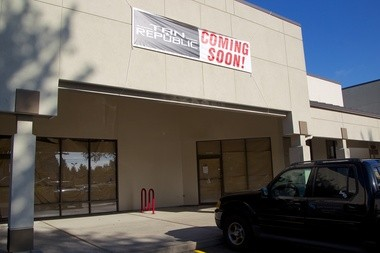 A former Forever Young laser spa location on Southwest Scholls Ferry Road in Beaverton is still empty since the company closed in July. Tan Republic plans to open a tanning salon at the site, according to a sign on the door.