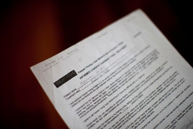 Maureen Hicks' consent form, which she signed as part of her laser procedure. Hicks requested a copy of the form and finally obtained a copy after three weeks, according to a complaint she filed with the Oregon Department of Justice.