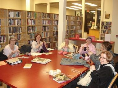 Valarie Matthews (second from left) leads a weekly Knit Nite at the Milwaukie Ledding Library.