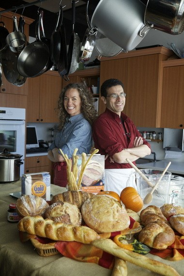 To show how easy it is to make artisan bread, Zoe Francois and Jeff Hertzberg recently dropped by the Foodday Test Kitchen to demonstrate one of their free-form loaves.