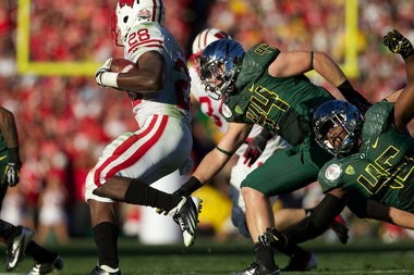 Oregon Ducks linebacker Michael Clay (46) was more productive in college than teammate Kiko Alonso (47) but the latter is considered to be a better NFL prospect because of his size.