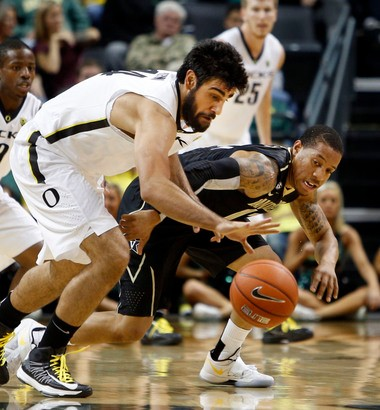 Oregon senior Arsalan Kazemi, slowed recently by a concussion and an injured ankle, is averaging 8.2 points and 9.4 rebounds.