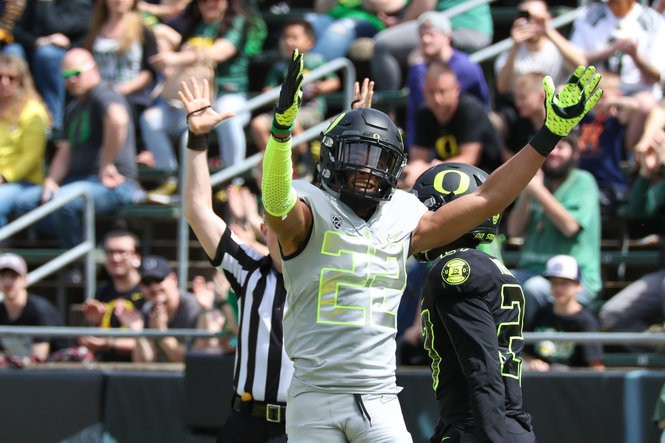 Carrington caught three touchdowns during April's spring game at Autzen Stadium.