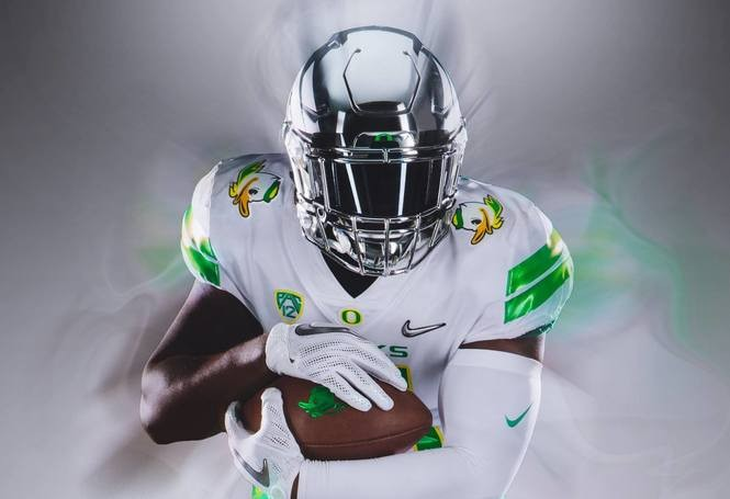competitive price 97a8a bd05b Oregon Ducks uniforms: White, green, wings and chrome ...
