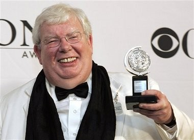 "Richard Griffiths (here in 2006), the British actor who played the boy wizardâs unsympathetic Uncle Vernon in the ""Harry Potter"" movies, has died. He was 65."