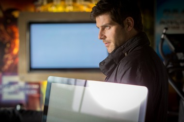 """""""Grimm"""" star David Giuntoli says he's getting so used to Portland, he doesn't even notice the rain anymore. Well, not much."""