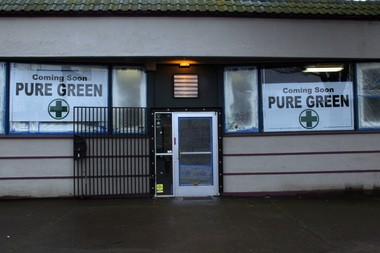 Pure Green, a new medical marijuana dispensary, will open Tuesday along Northeast Sandy Boulevard. Matt and Meghan Walstatter are hoping the business will be a model of how to run a professional medical marijuana outlet.